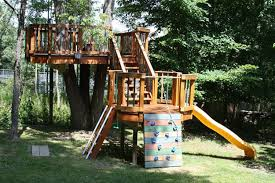 Backyard Zip Line Ideas 15 Awesome Treehouse Ideas For You And The Kids
