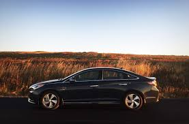 hyundai sonata hybrid reviews 2016 hyundai sonata hybrid limited review do the fuel savings