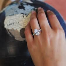 oval shaped engagement rings pear shaped engagement ring 2017 wedding ideas magazine