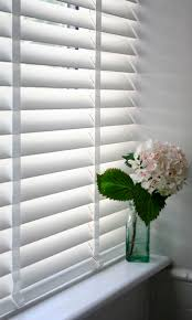ideas for kitchen window treatments best 25 white blinds ideas on pinterest shutter blinds bedroom