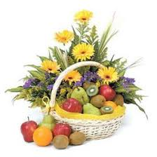 fruit flowers baskets 21 best gift baskets international delivery images on