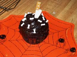 super easy halloween cupcakes
