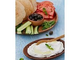 id cuisine uip labneh plate breakfast manoushe restaurant jumeirah lake
