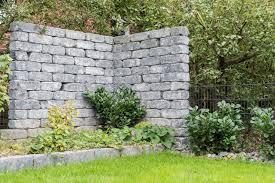 Steine Fur Gartenmauer Travertin Natursteinmauer Gartenmauer Trockenmauer Mauersteine