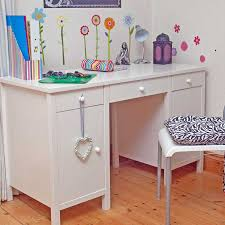 Small Childs Desk Bedroom Desk And Chair Set Pictures Childrens Desks Including