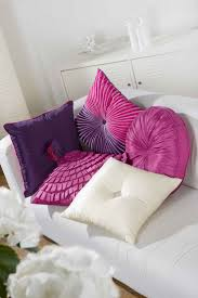 Purple Living Room by Best 25 Purple Cushions Ideas On Pinterest Purple Ribbon The