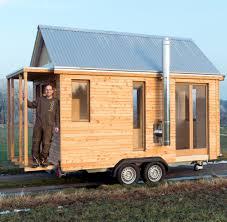 Immobilien Holzhaus Kaufen Deutscher Tischler Baut Blockhaus Für Autoanhänger Welt