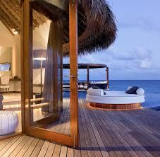 urlaub am strand hier kann man direkt ins restaurant schwimmen welt