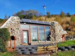 self sustaining homes earthships self sustaining homes