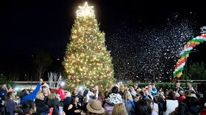laguna niguel welcomes the season with annual tree lighting