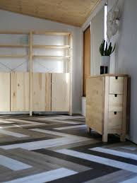 Which Way Do You Lay Laminate Flooring Oh Yes She Diyd Herringbone Floors With Vinyl Stick Down Planks