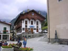 ufficio guide courmayeur val ferret vacances montagne vall礬e d aoste