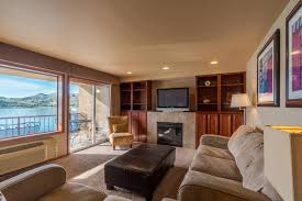 Lakefront Getaway 3 Bd Vacation Rental In Wa by Downtown Waterfront At The Grandview 2 Bd Vacation Rental In