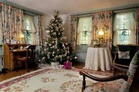 Christmas Decorations For Homes Decorating For A Victorian Era Christmas