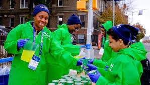 picture this what volunteering at the nyc marathon looks like