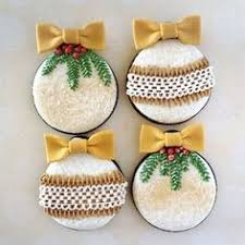 Elegant Christmas Cookie Decorations by Jenny U0027s Cookies Cupcakes Decorated For Christmas She Used The