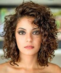 hairstyles that can be worn curly best 25 shoulder length curly hairstyles ideas on pinterest