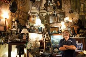 kitchen collectables store selling antiques and collectibles to dealers near you
