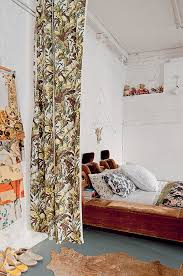 amenager une chambre avec 2 lits diviser une chambre en deux espaces comment faire