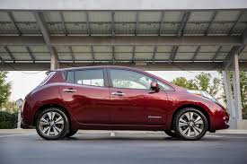 nissan cars 2017 nissan leaf vs volkswagen e golf compare cars