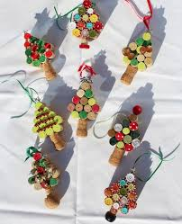 wonderful diy tree ornaments using wine corks diy