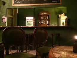 Wohnzimmer Bar In Berlin Sie Will Einfach Die Beste Bar Im Ganzen Wedding Sein