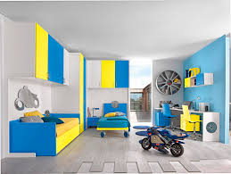 chambre enfant mixte chambre d enfant mixte jaune sport motori 1 faer ambienti