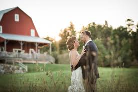 Barn Weddings In Michigan Michigan Barn Wedding Hollie U0026 Paul U0027s Traverse City Wedding