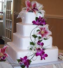square wedding cakes wedding cakes square wedding cakes with purple flowers