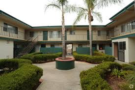 courtyard homes foothill courtyards apartment homes rentals vista ca