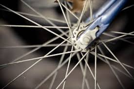broken bicycle spokes and how to replace them