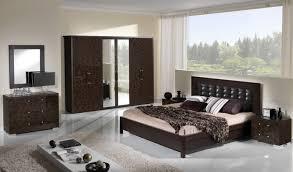 mobilier de chambre à coucher design interieur chambre coucher luxe lit cuir capitonné mobilier