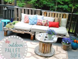 Build Cheap Patio Furniture by Diy Outdoor Pallet Sofa Jenna Burger