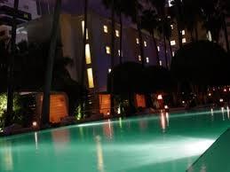 imagenes miami de noche en la piscina del delano hotel miami beach a la noche tomando un