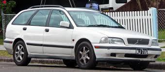 volvo volkswagen 2003 file 1997 2000 volvo v40 2 0 station wagon 01 jpg wikimedia commons
