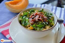 cuisiner des pois cass salade de pois cassés au melon et petits lardons les pépites de