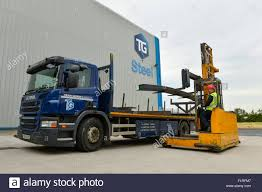 loader truck stock photos u0026 loader truck stock images alamy