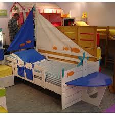 chambre bateau pirate lit bateau ma chambramoi chambre enfants bateaux