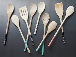handmade gifts kids can make painted wooden spoons
