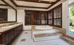 Silence Of The Lambs Bathtub See Inside Jodie Foster Puts Her Hollywood Hills Home On The