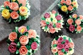 cupcake flowers buttercream flowers cupcake piping cake decorating classes in