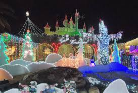 christmas lights scottsdale s chris birkett wins great christmas light fight