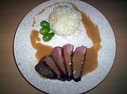 cuisiner magret de canard a la poele recette de magret de canard et sa sauce crémeuse