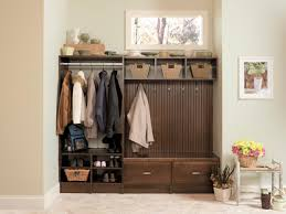 advantages of using mudroom storage bench vwho