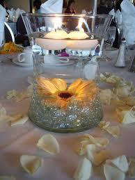 Daisy Centerpiece Ideas by Best 25 Sunflower Wedding Centerpieces Ideas On Pinterest