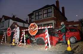 Realistic Halloween Decorations Uk by Halloween Mad Family Splash 20k For Haunted House Party In