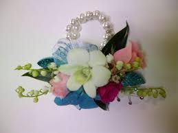 Prom Wrist Corsage The 25 Best Bracelet Corsage Ideas On Pinterest Wrist Corsage
