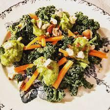 comment cuisiner le chou kale salade de chou kale à la crème de courgette gratinez