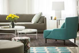 Color Tips That Will Totally Change Your Home - Adding color to neutral living room
