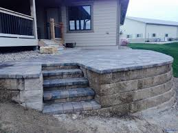Patio Retaining Wall Pictures Omaha Raised Paver Patio Retaining Wall 3